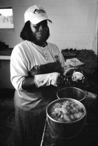Master oyster shucker Deborah Pratt (Photo by Morgan Miller/Virginia Folklife Program)