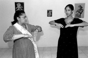 Kathak Dance apprenticeship team Asha Vattikuti and Janhavi Kirtane. Photo by Morgan Miller/Virginia Folklife Program.