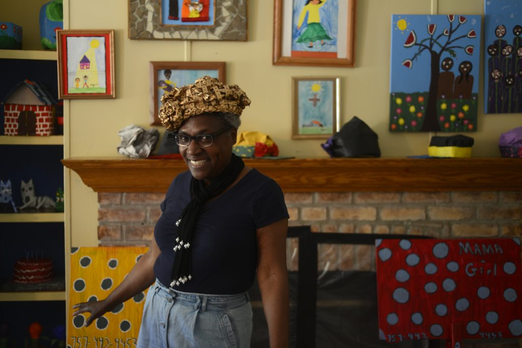 "Master Eastern Shore papier-mâché sculptor ""Mama Girl"" Onley, photo by Pat Jarrett.photographed in her Painter, Virginia studio on the Eastern Shore on 5/25/14. Pat Jarrett/Virginia Folklife Program"